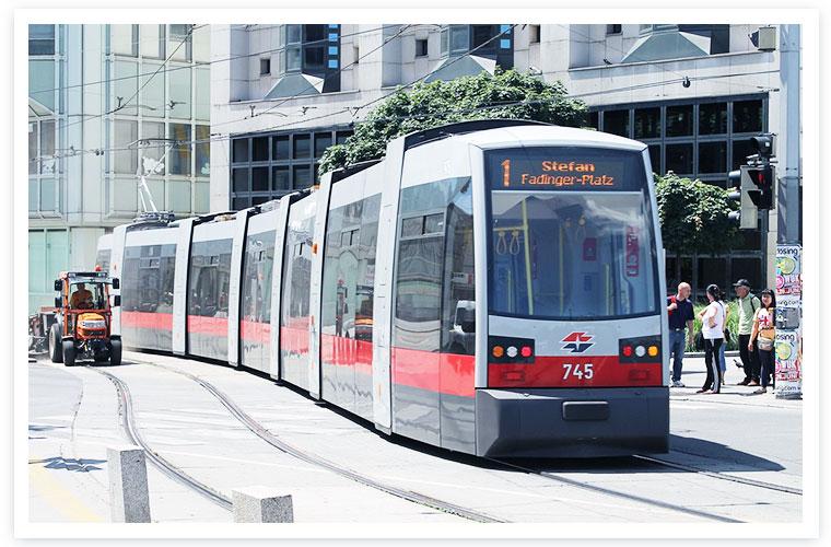 Hier würden Sie das Bild einer Straßenbahn aus Wien sehen