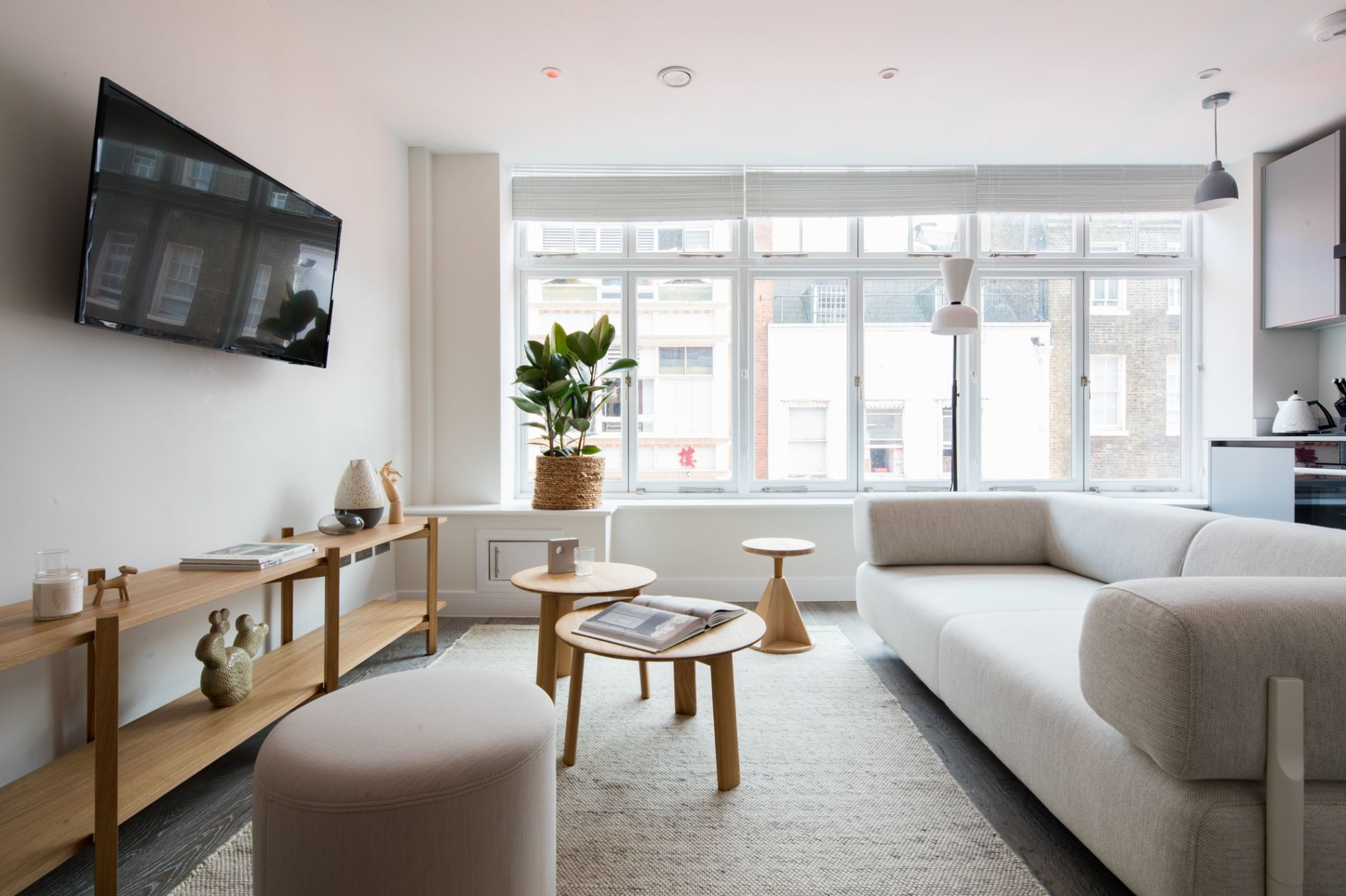 Serviced accommodation in Leicester square London that can be booked instantly