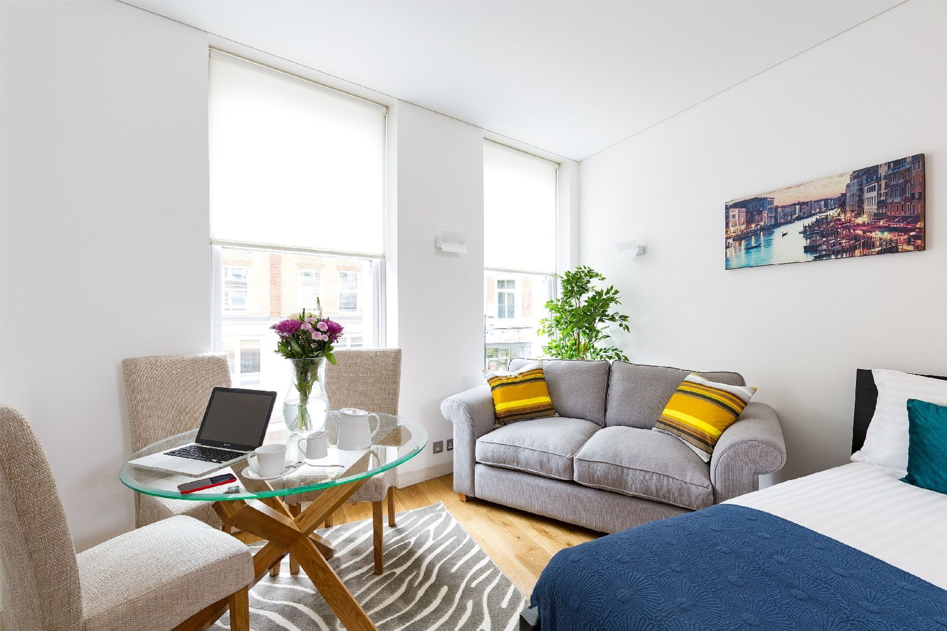 Serviced studio rental in Holborn