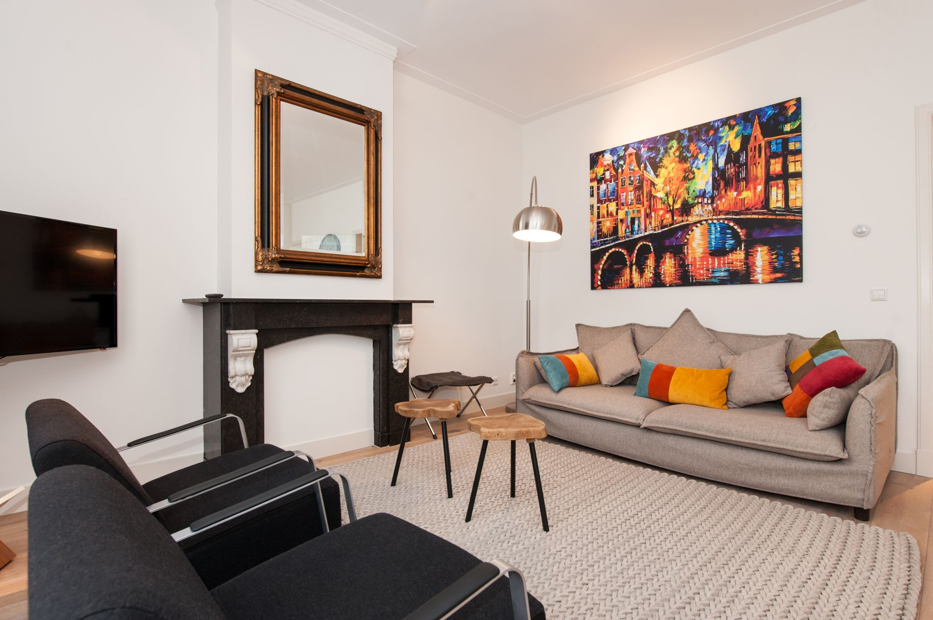Serviced apartment with a balcony in Amsterdam's Museum District