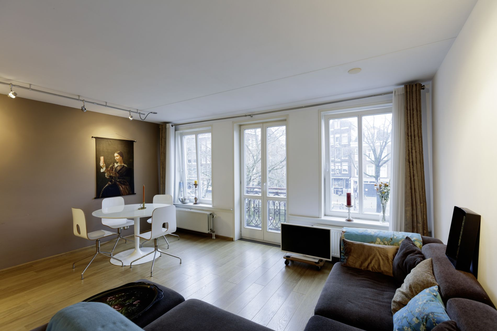 Serviced apartment with a beautiful balcony in Amterdam's canal district
