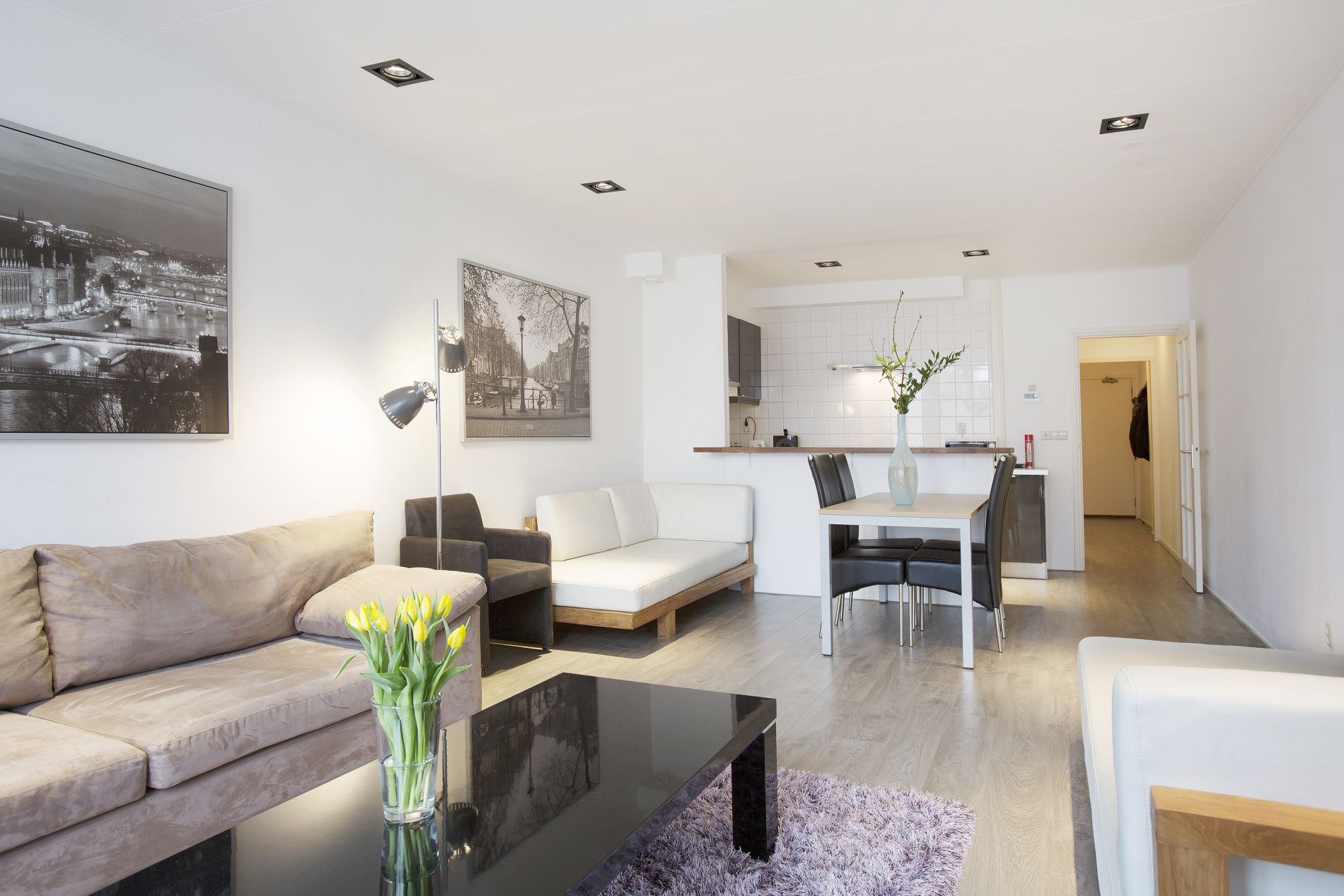 Instant bookable serviced apartments near Central Station Amsterdam
