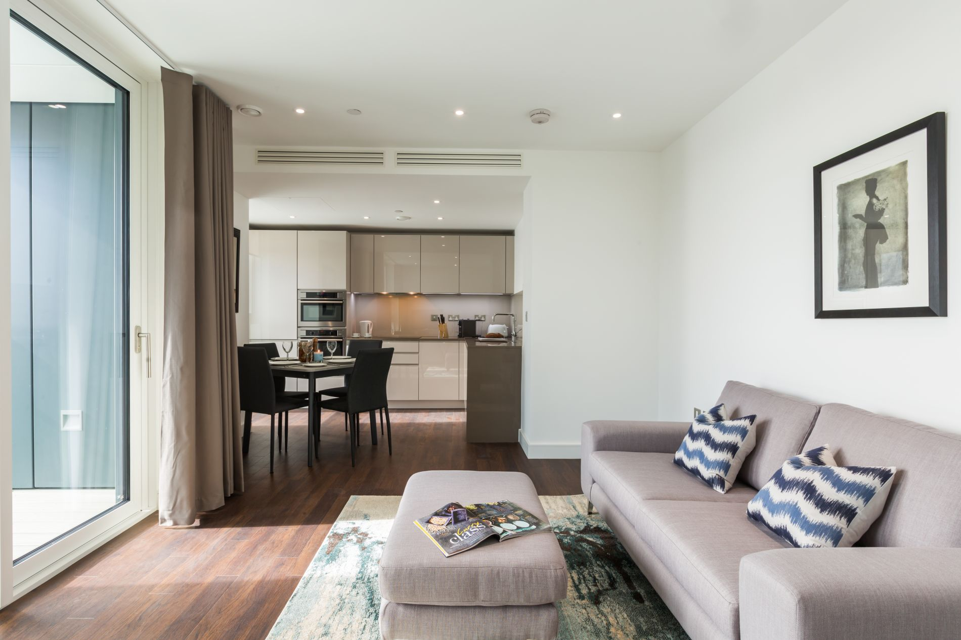 Serviced apartment with gym in London 5