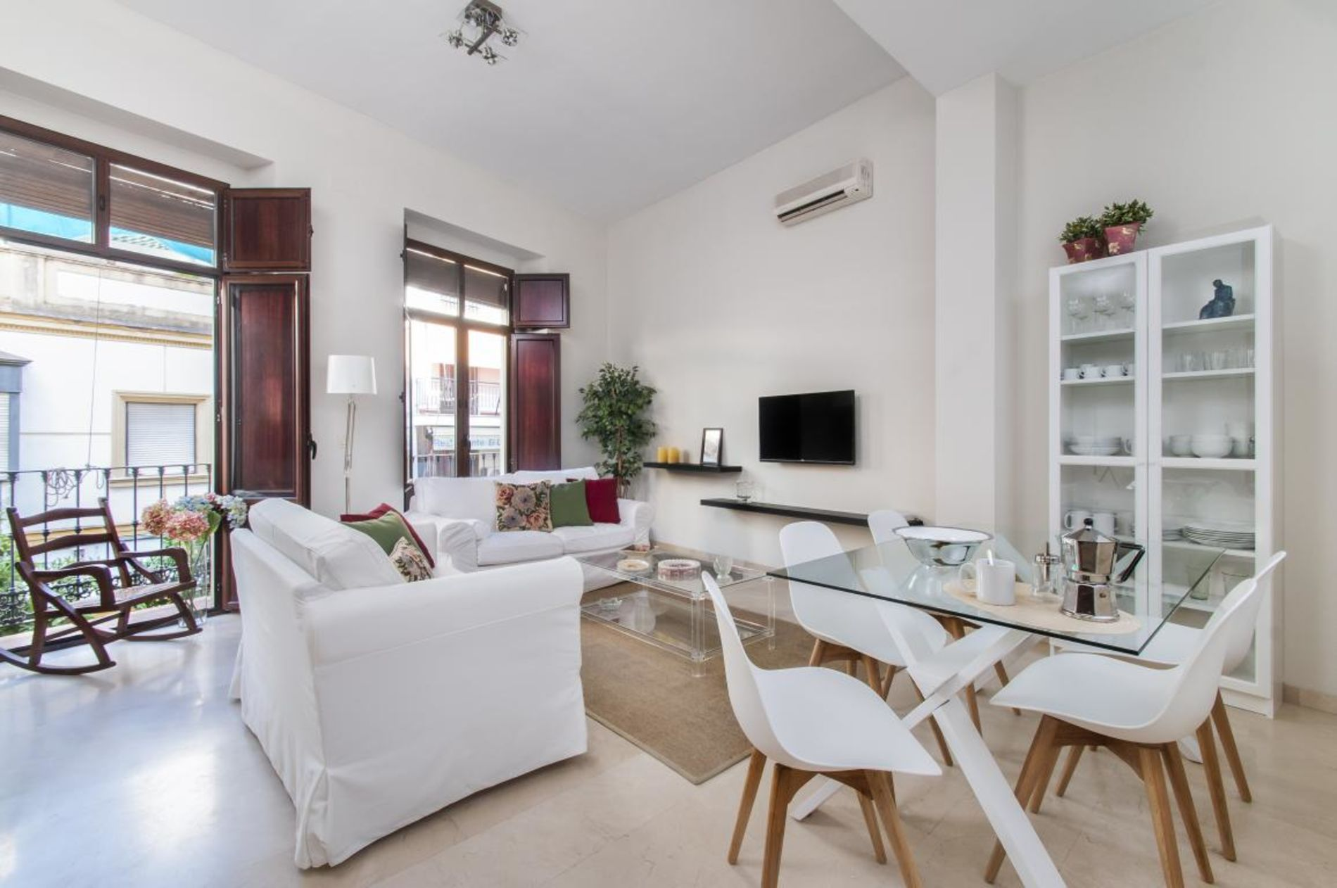 Modern 2 Bed Apartment in Seville with a terrace