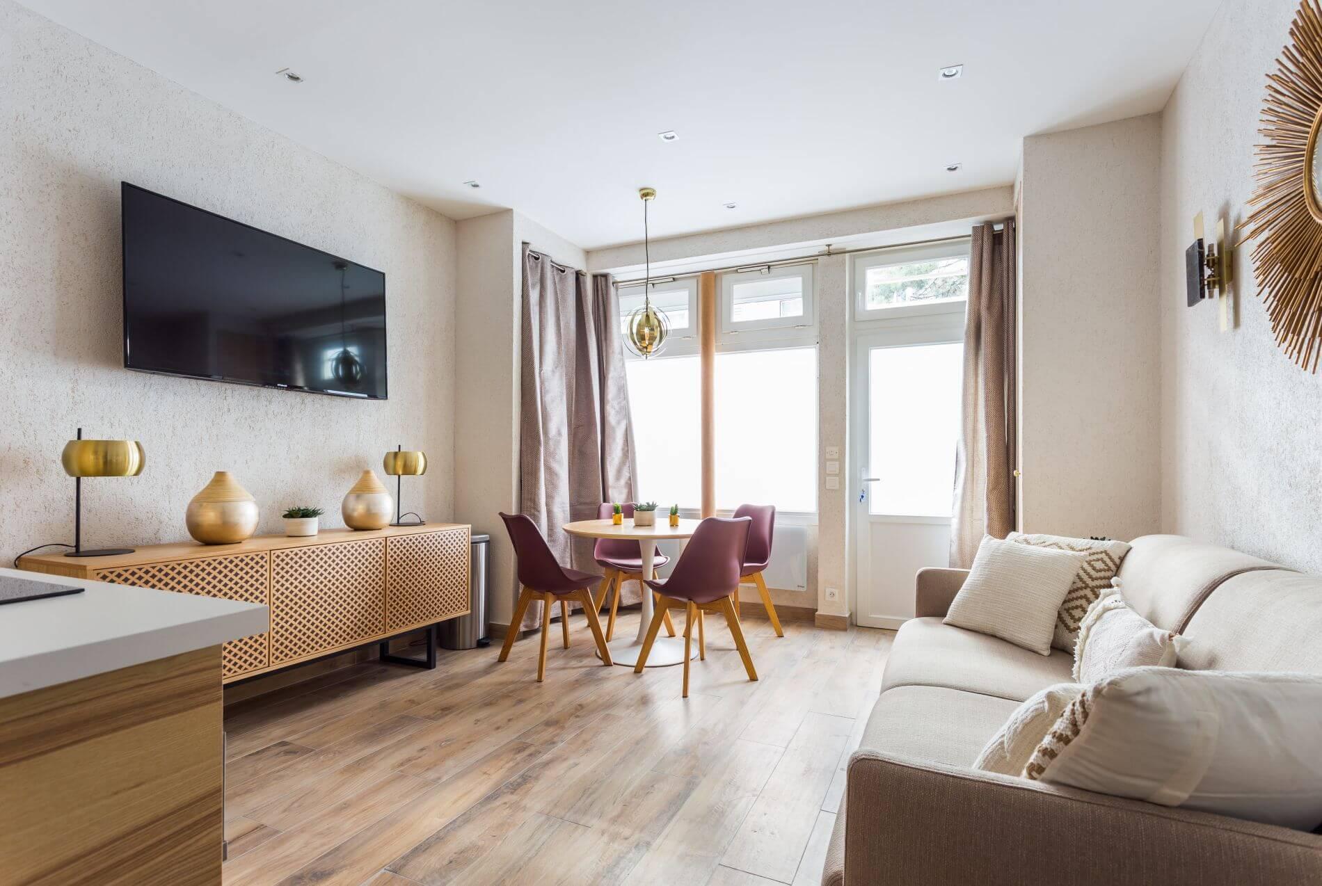 Serviced apartment in Place de la Nation, Paris