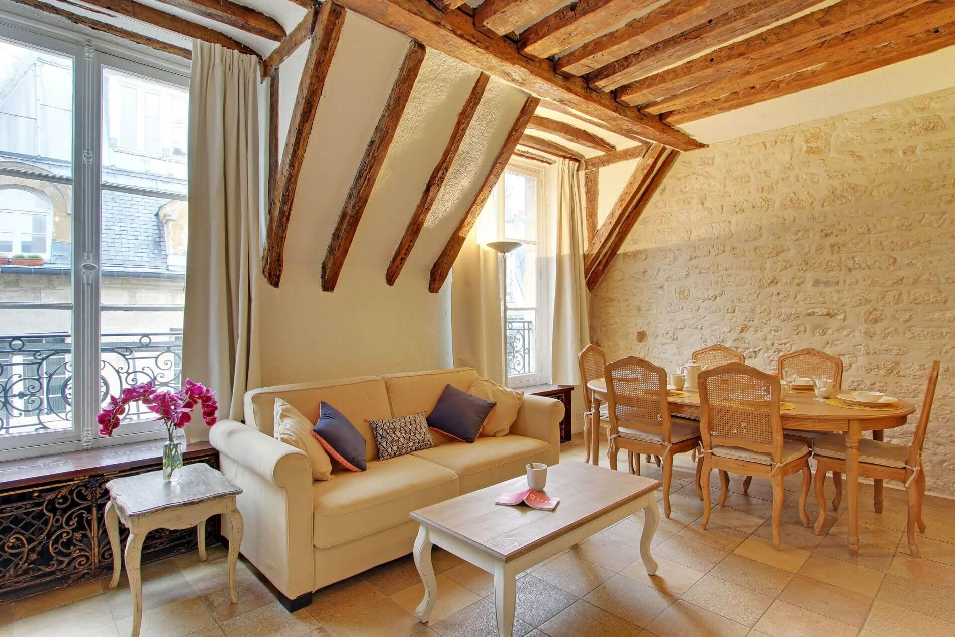 Chaacter-filled serviced apartment near Saint Michel, Paris