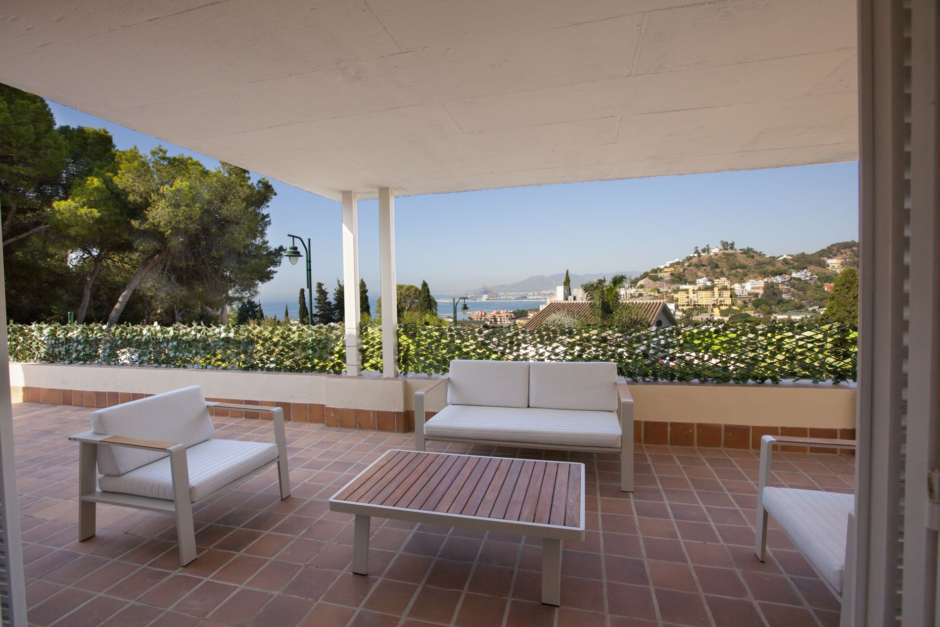 Furnished apartment in Malaga with sea view and an incredible balcony/ terrace