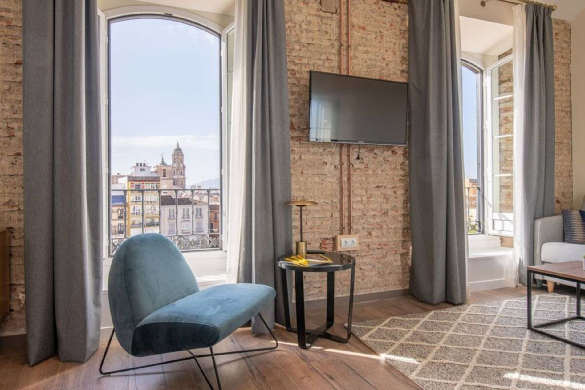 Instant bookable furnished apartment in the city center ofMalaga