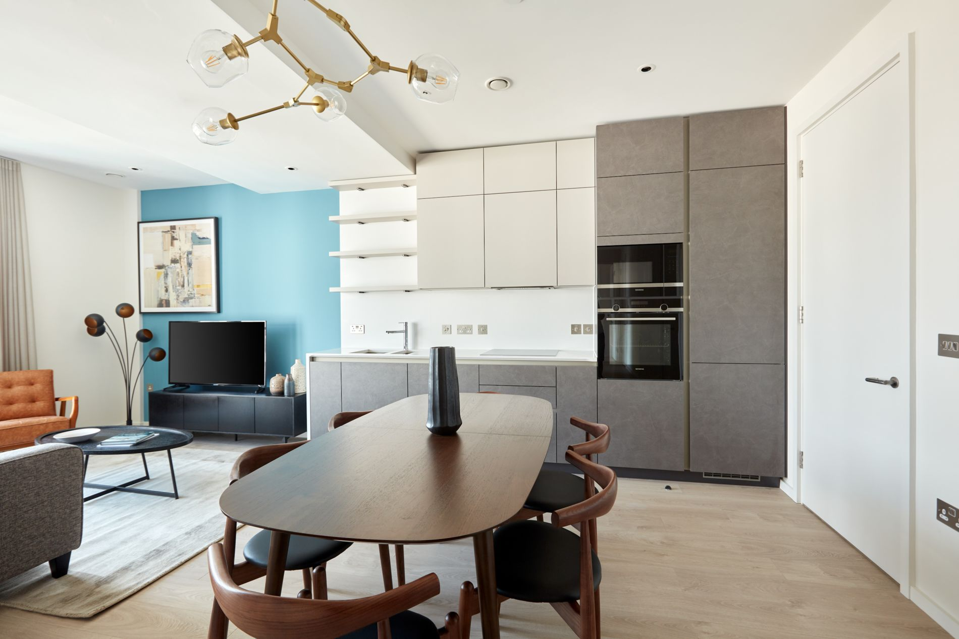 Stunning serviced apartment in Dublin with a rooftop terrace and instant book option