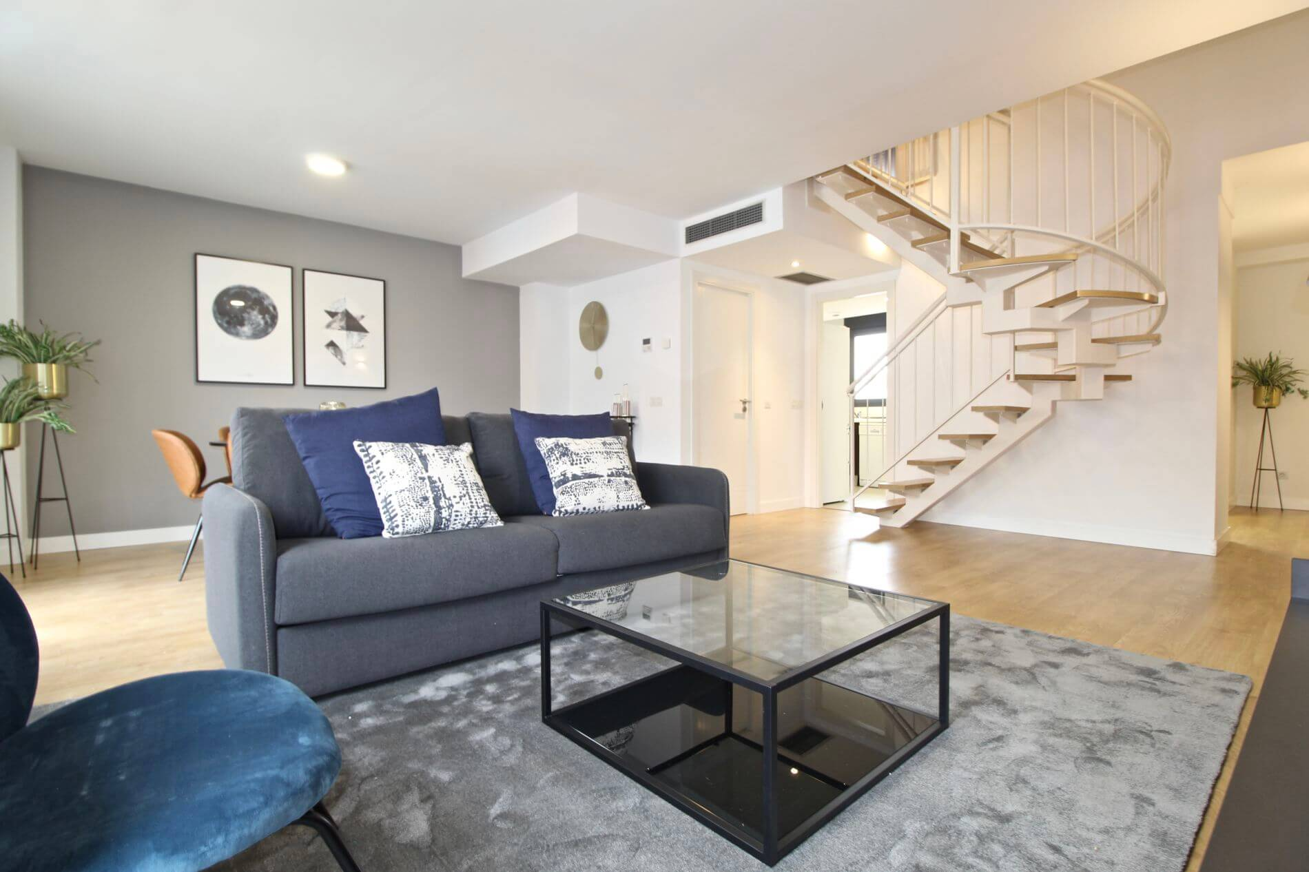 Duplex serviced apartment in Madrid with pool and Instant Booking Option