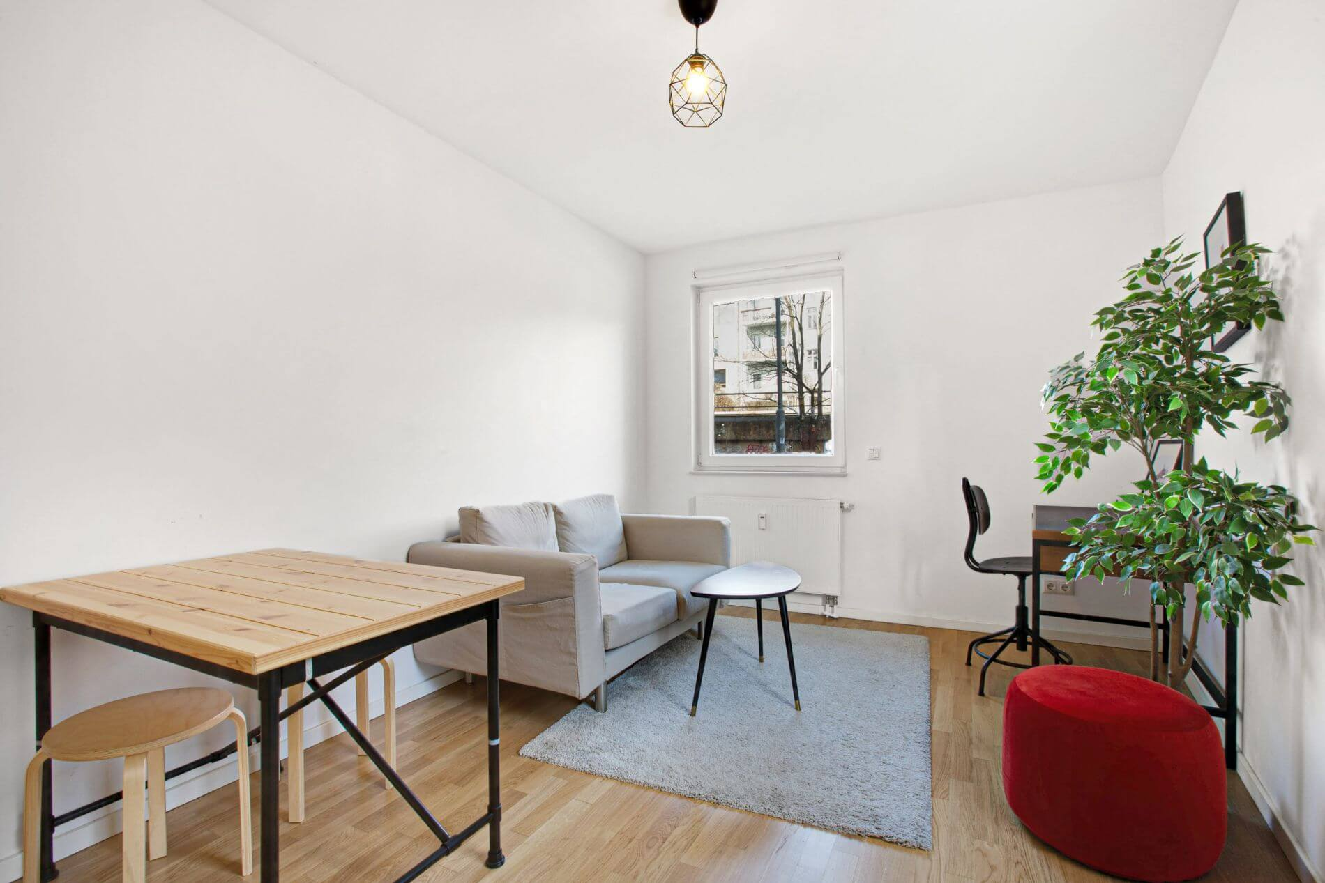 1 bedroom serviced apartment in Ostkreuz, Berlin for long term stays