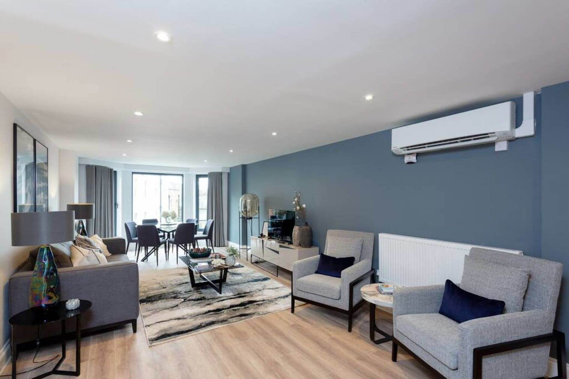 3 bedroom serviced apartment in Earls Court, London for long stays