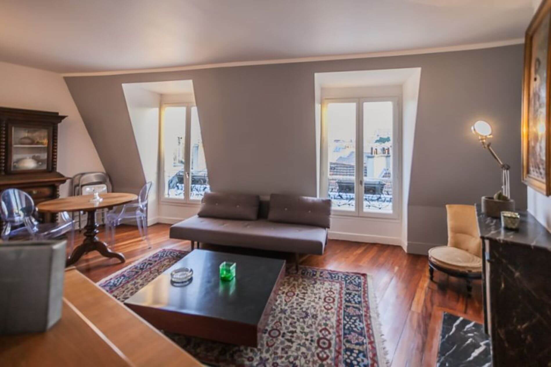 Luxurious serviced apartment in Paris with lots of space perfect for long stays