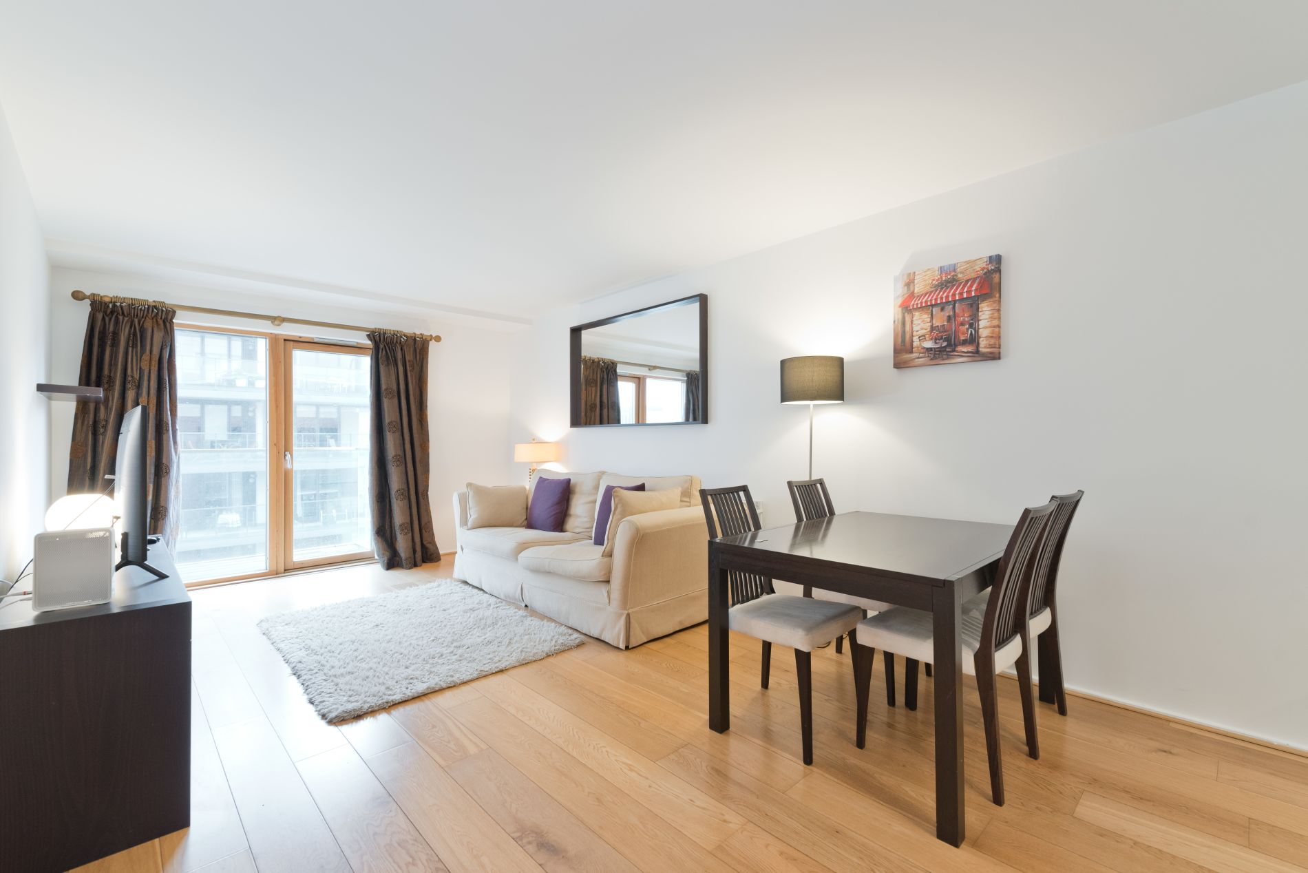 Serviced apartment rental that allows pets in Dublin Dcklands