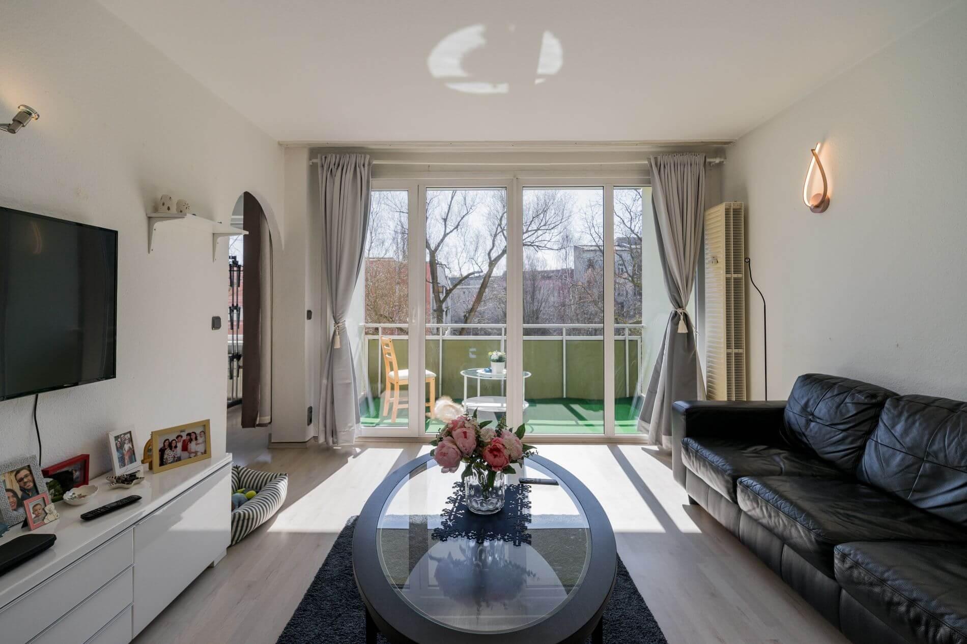 2 room serviced apartment with balcony near Charlottenburg Palace, Berlin