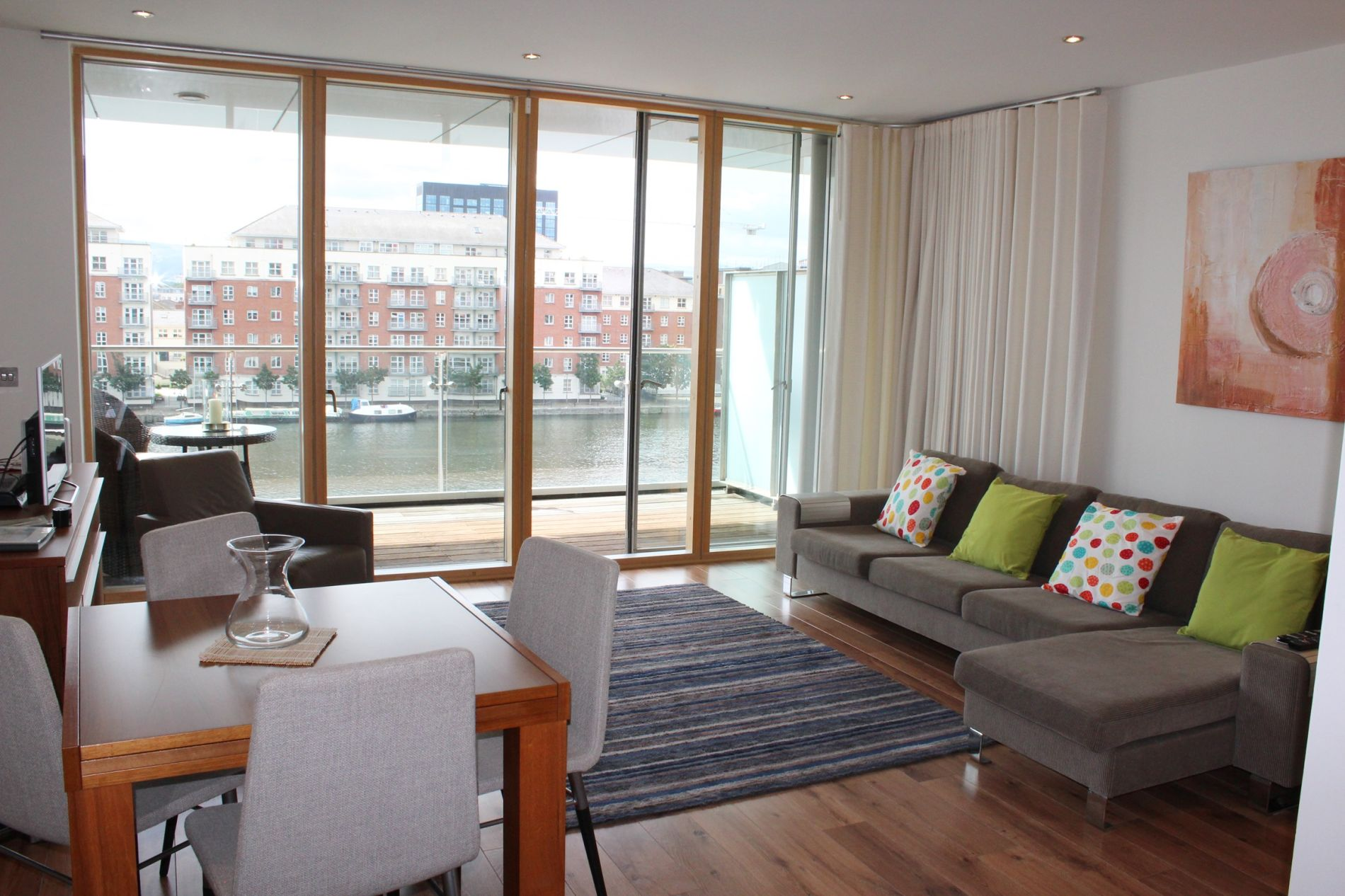 Serviced apartment in Dublin with great water views