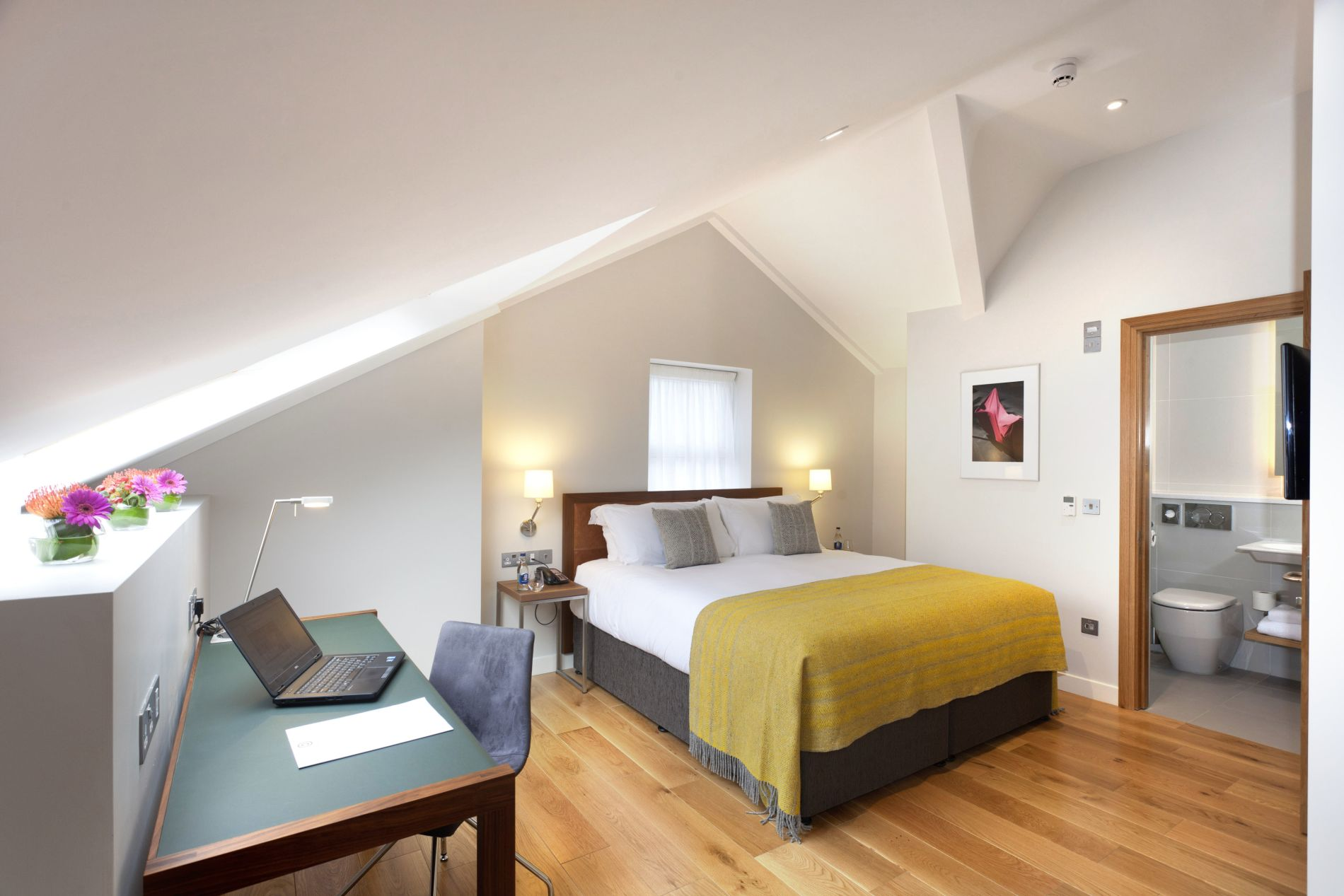 Comfortable serviced flat in Reading Dublin