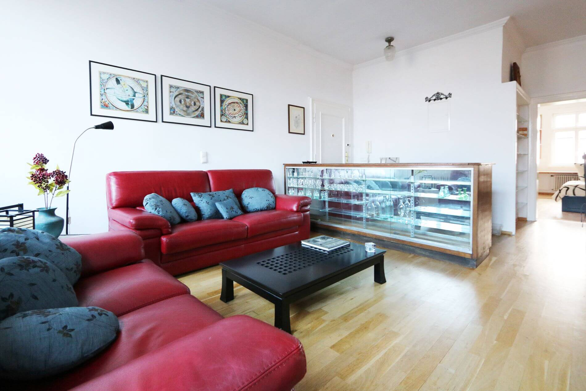 2 bedroom serviced apartment in Frankfurter Allee, Berlin ideal for short term stays
