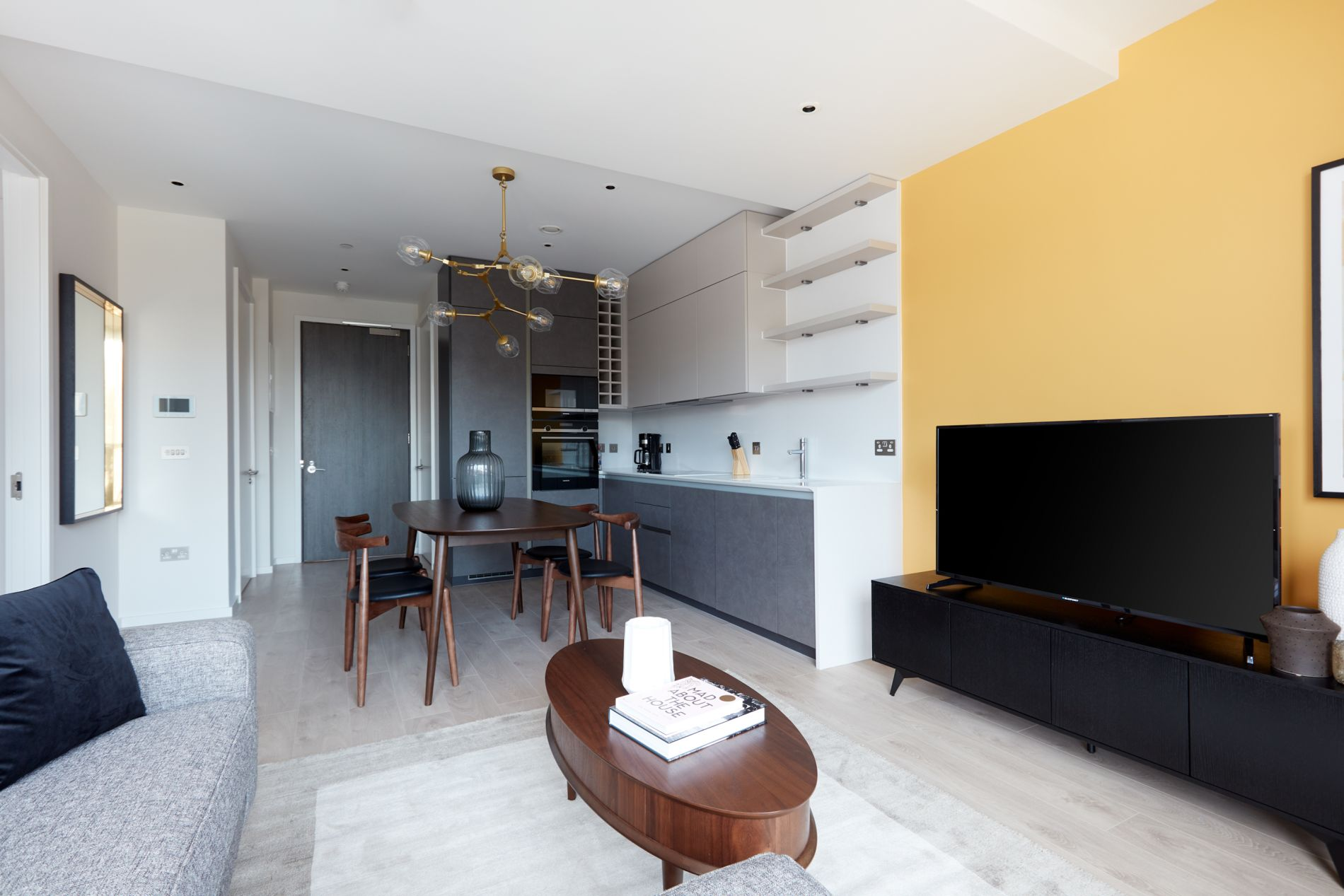 Comfortable short term serviced apartment in Dublin with a balcony
