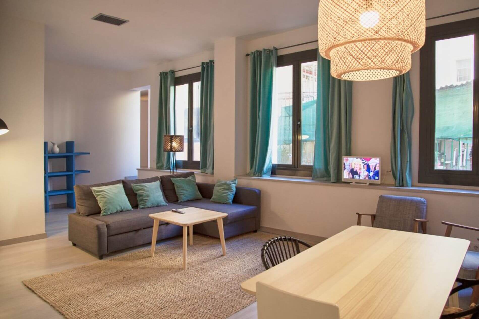 Fully-fitted property to rent near Plaza Catalunya in Barcelona