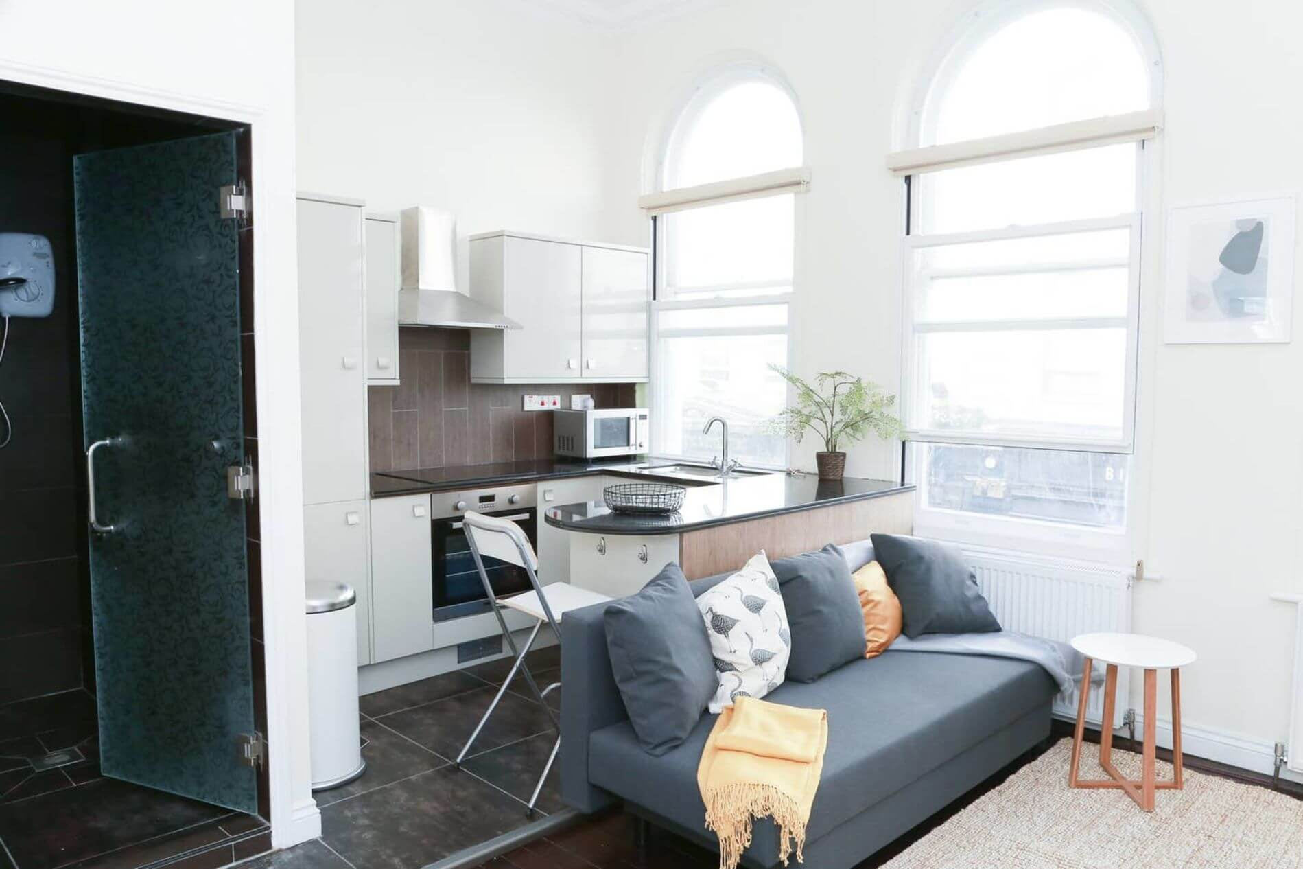 New furnished flat in London West End with instant booking option