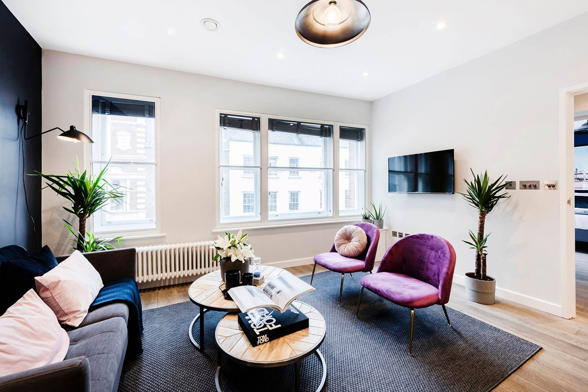 Fully quipped flat in Leicester Square China Town with instant booking option