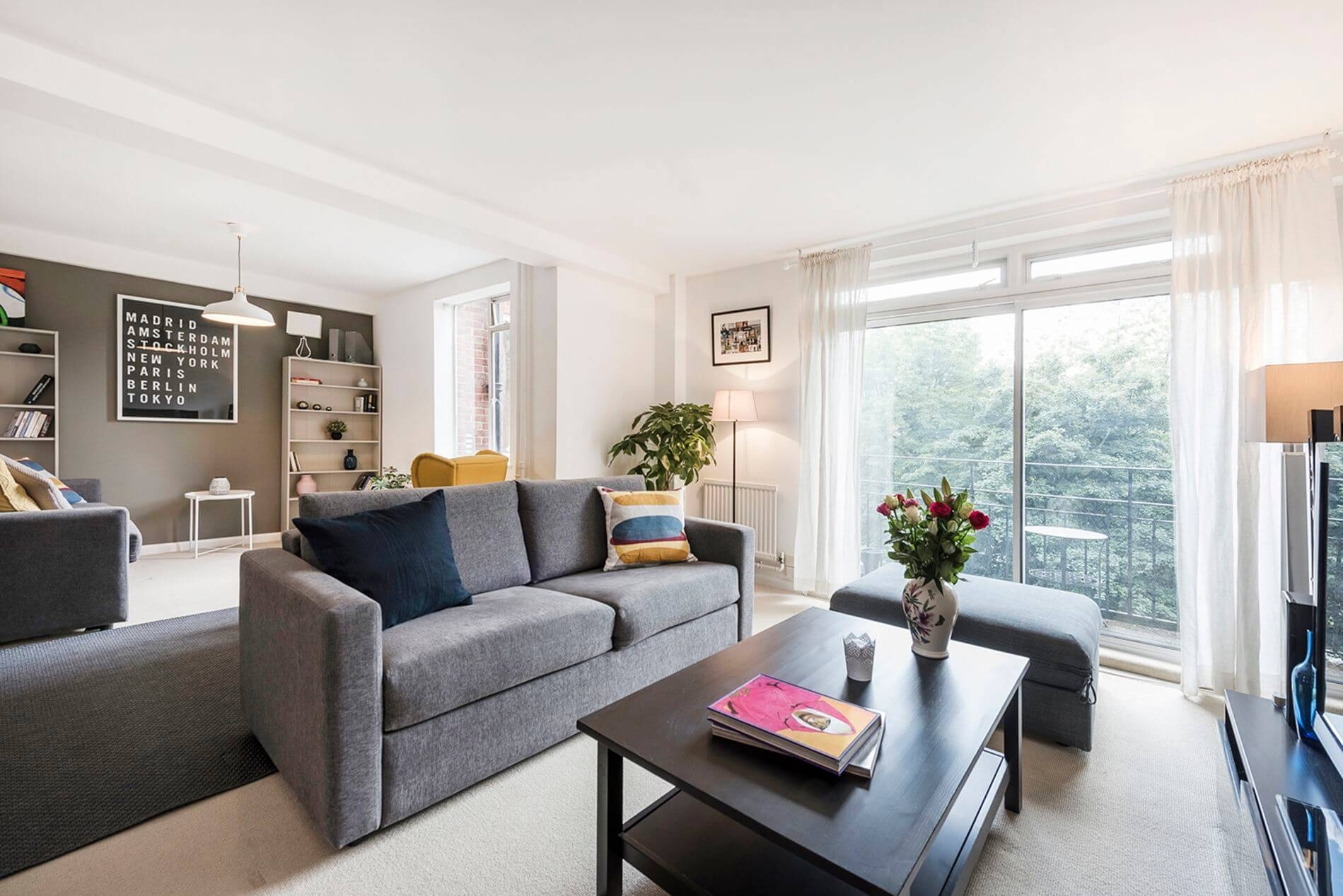 2 bedroom property to rent in London