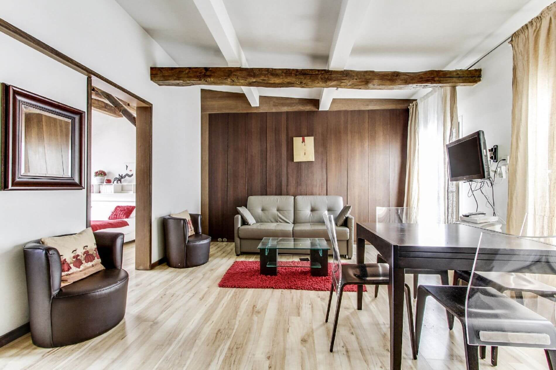 Fully equipped rental property in Paris in 8th arrondissement, Paris