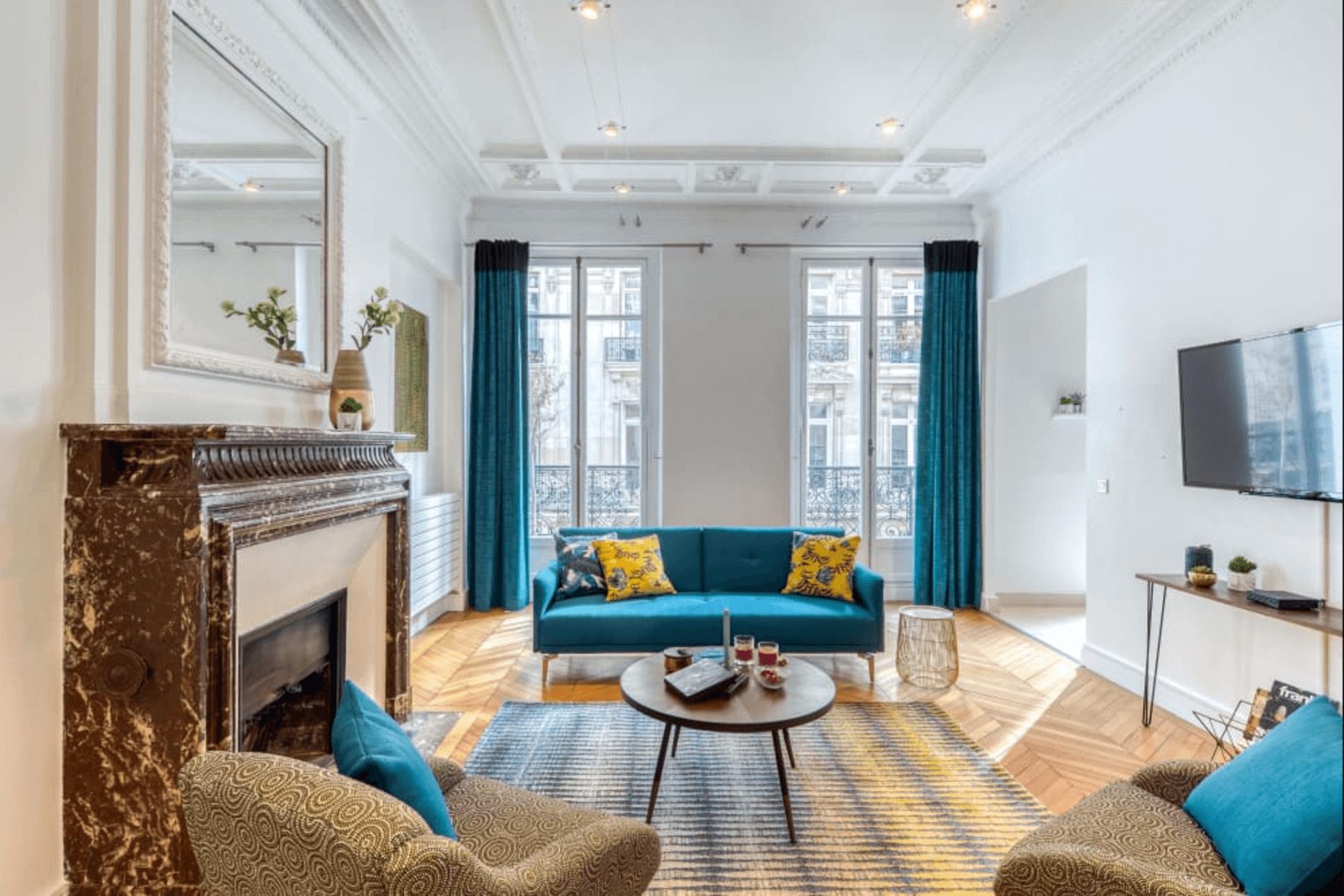 Modern furnished luxury flat near Champs Elysees