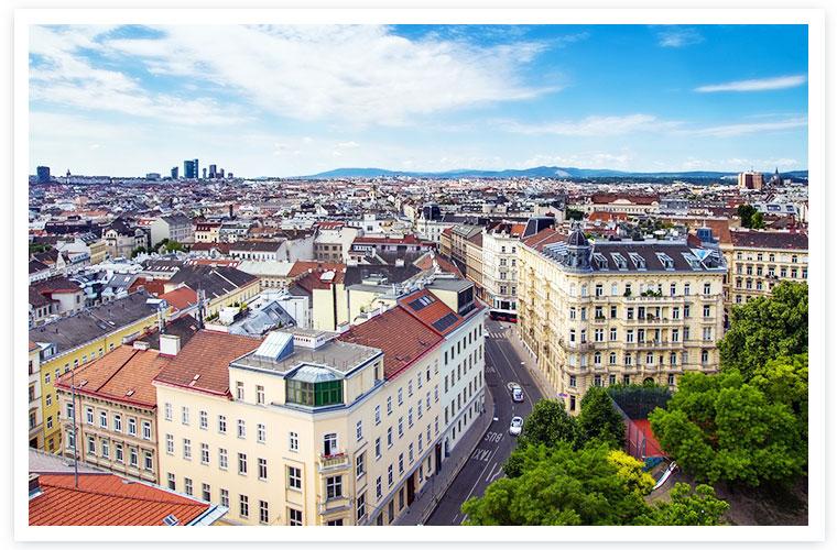 Hier würden Sie Gebäude in Wien sehen, mit dem Horizont im Hintergrund