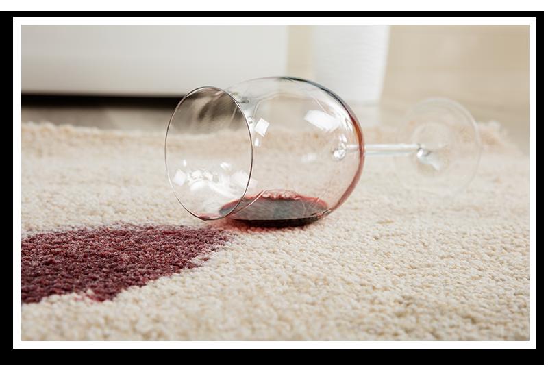 Hier würden Sie das Bild eines Weinglases sehen, dass auf dem Teppich eines möblierten Apartments verschüttet wurde